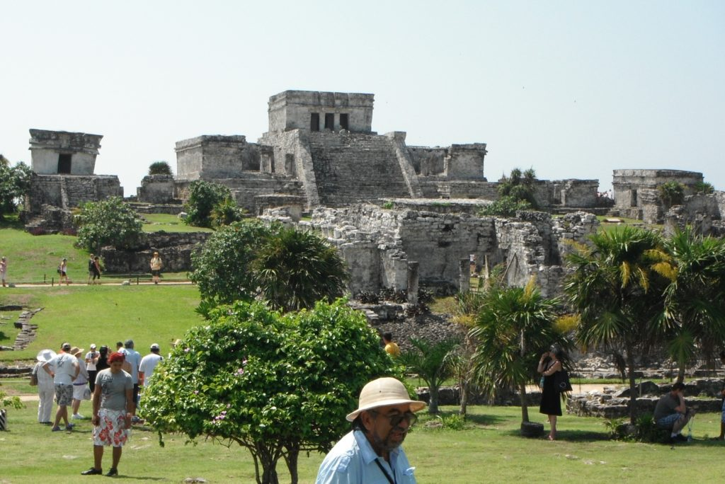 Templo del Dios Descendente and El Castillo, Tulum, Mexico