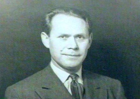 Dr. Maximiliano Ruiz Castenedo
