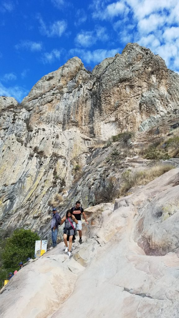 The hiking trail on Peña de Bernal.
