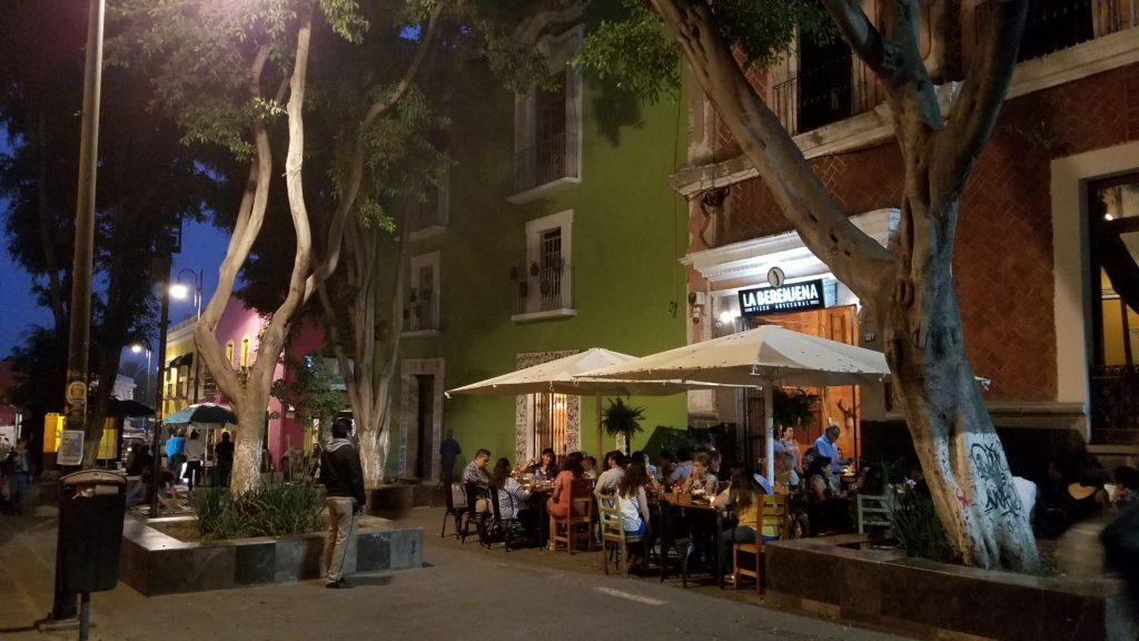 La Berenjena, a popular pizza restaurant on Calle 3 Ote., Puebla
